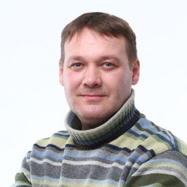 Дмитрий Сурин